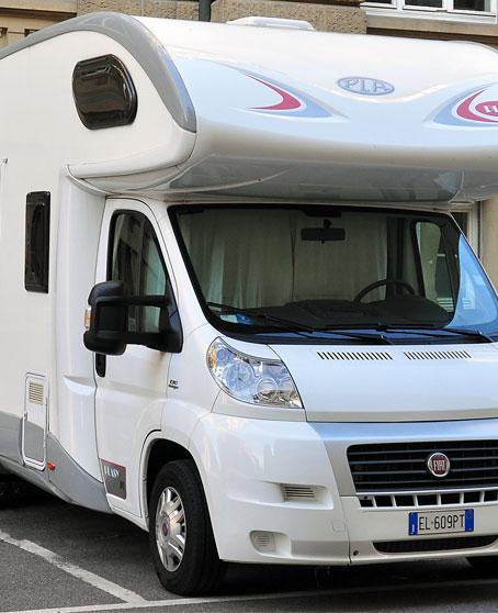 Hivernage de camping-cars dans le Nord-Pas-de-Calais (Maubeuge)